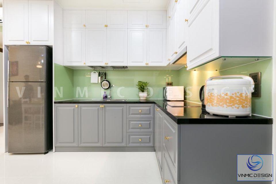Thi công tủ bếp với Sơn Inchem 2 màu khác biệt của tủ bếp dưới và tủ bếp trên