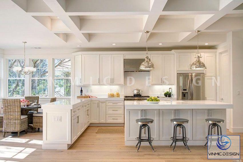 Tông màu kết hợp ánh sáng thiên nhiên giúp không gian phòng bếp đẹp lung linh