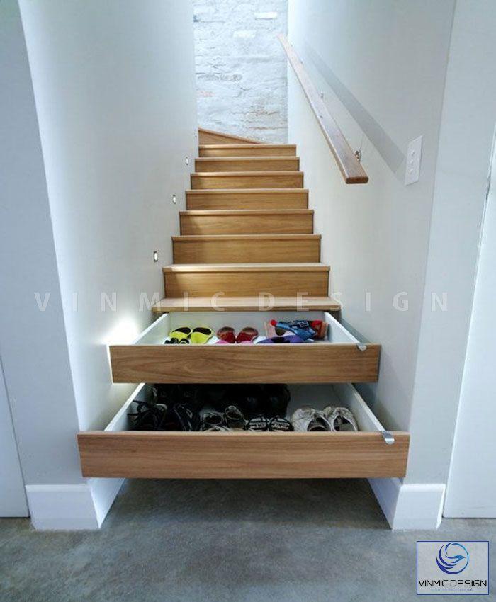 Tủ giày được thiết kế dưới cầu thang tiện ích