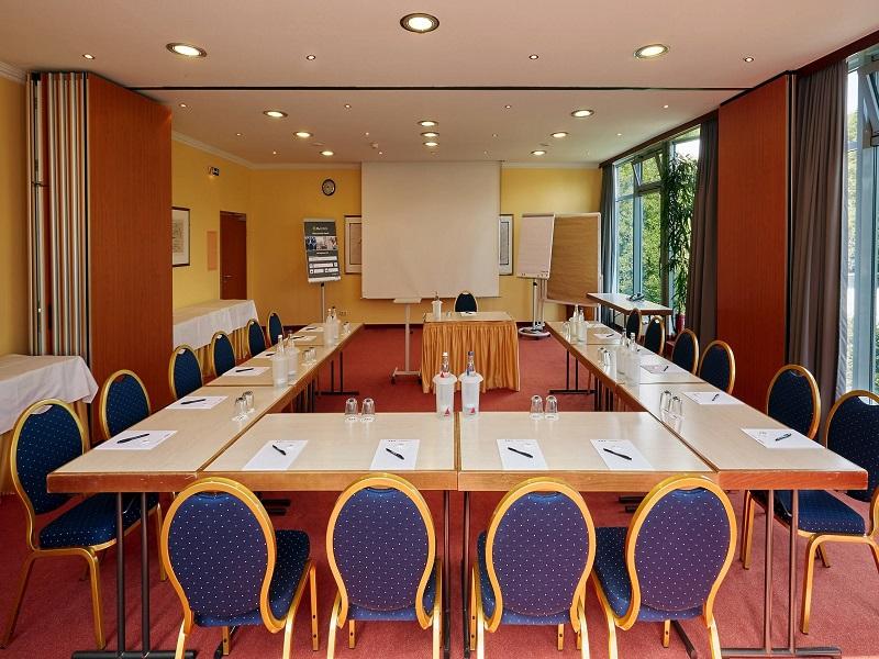 Thiết kế phòng họp đơn giản