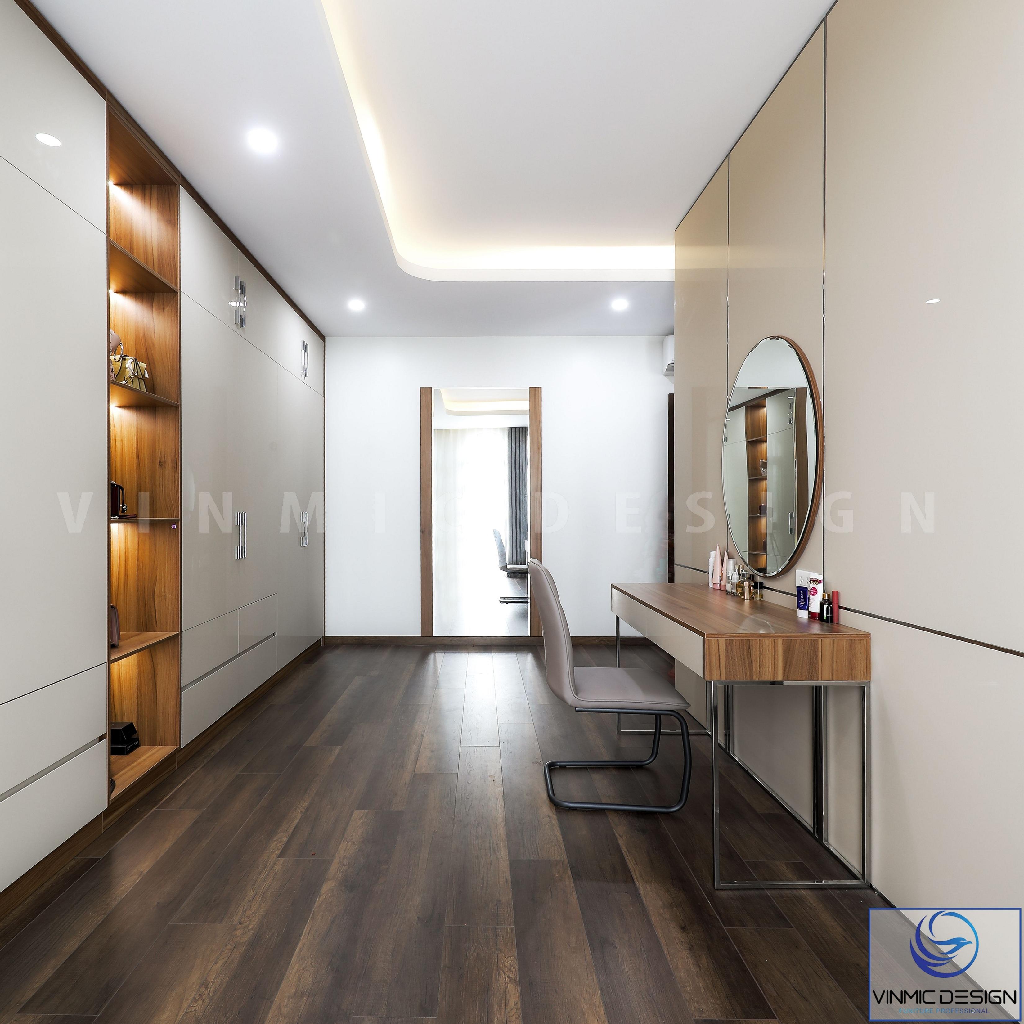 Tận dung phía sau phòng ngủ master là tủ quần áo và bàn trang điểm