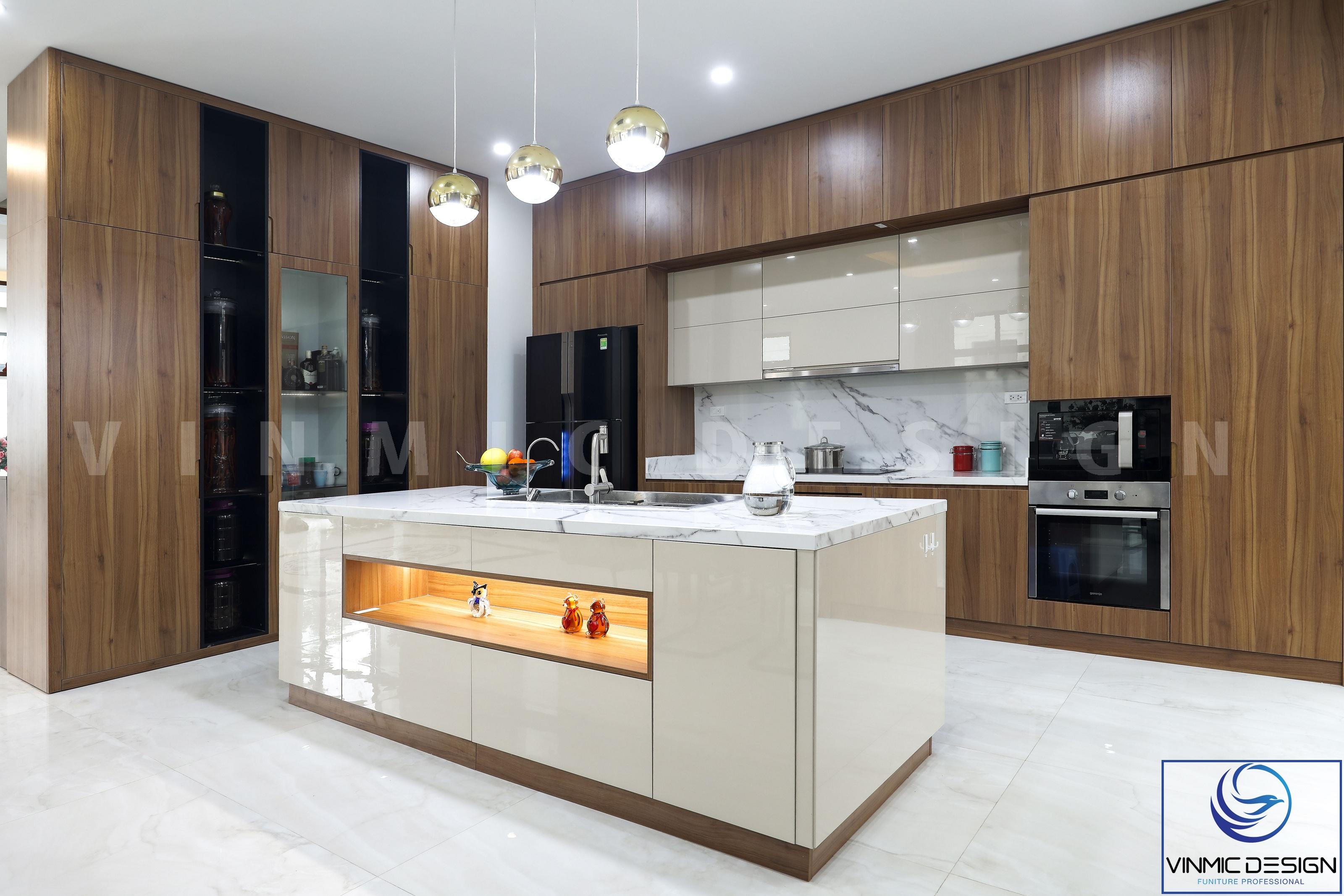 Không gian phòng bếp rộng rãi và sạch sẽ