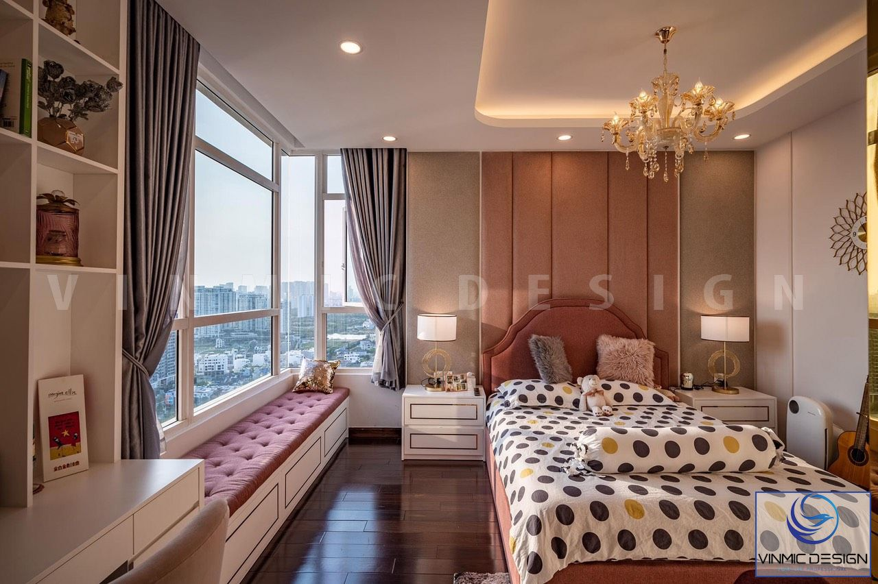 Phòng ngủ của bé gái được thi công với tông màu hồng dịu dàng