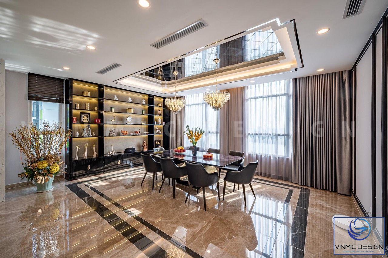 Không gian phòng ăn được tận dụng ánh sáng thiên nhiên từ cửa sổ lớn