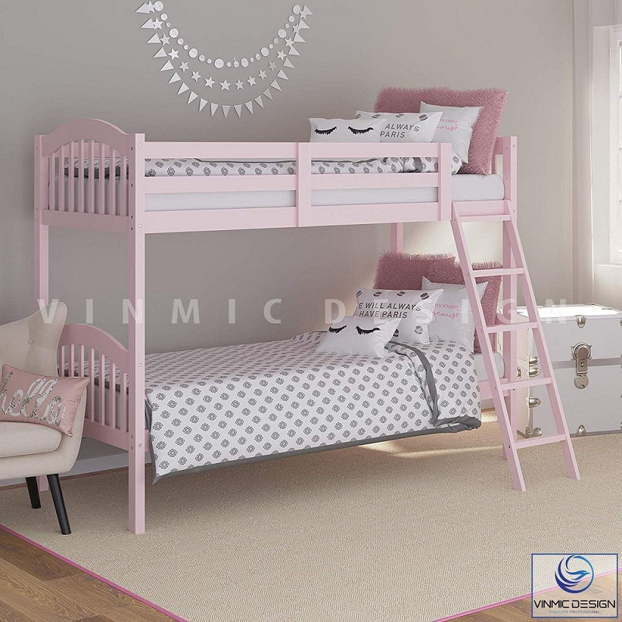 Căn phòng ngủ của các bé với tone màu hồng baby dễ thương, tạo cảm giác thích thú cho bé yêu hơn
