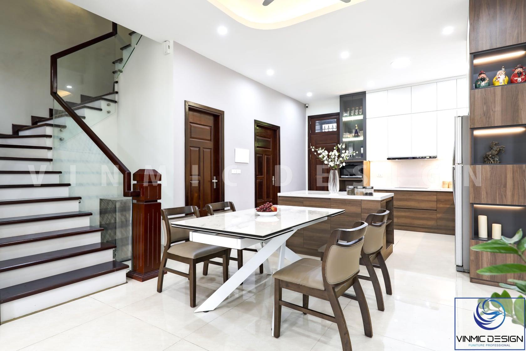 Thi công nội thất không gian ăn uống ấn tượng với bàn ăn cách điệu và đồ nội thất gỗ công nghiệp MDF lõi xanh