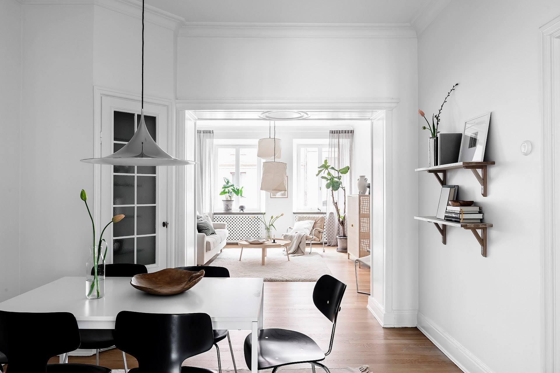 Không gian sinh hoạt chung được trang trí bằng các docor đơn giản mang màu sắc rất riêng của phong cách Scandinavian