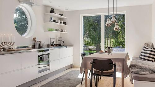 Thiết kế nội thất phòng bếp phong cách Scandinavian
