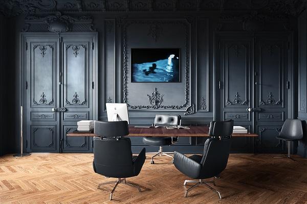 Thiết kế phòng giám đốc được ốp gỗ với đường nét họa tiết tỉ mỉ
